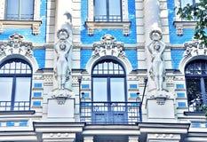 一个大厦的惊人的片段在艺术Nouveau区在里加,拉脱维亚 图库摄影
