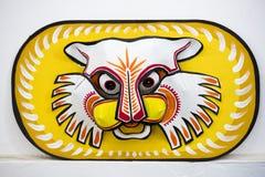 一个大大小五颜六色的老虎面具 图库摄影