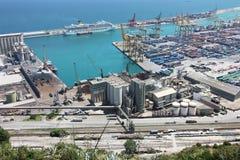 一个大欧洲城市的港区 免版税库存图片