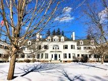 一个大美国房子 免版税图库摄影