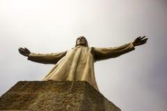 一个大耶稣基督雕象 免版税图库摄影
