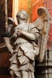 一个天使的雕象在大理石石头的 免版税图库摄影