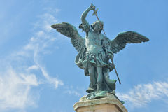 一个天使的雕象在Castel Santangelo的在罗马, 2016年6月01日的意大利 免版税库存图片