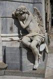 一个天使的雕象在Recoleta墓地 免版税库存照片