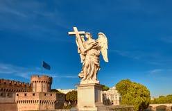一个天使的雕象在Sant安吉洛桥梁的在罗马,意大利 库存照片