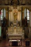 一个天主教会的主要法坛 库存图片