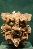 一个奇怪的妖怪的古老玛雅面具 免版税图库摄影