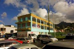 一个奔忙的镇在迎风群岛 免版税库存图片