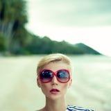一个女孩的纵向在度假的 免版税库存照片