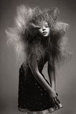 有容量时兴的发型的女孩 免版税库存照片