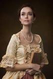 一个女孩的画象中世纪礼服的 免版税图库摄影