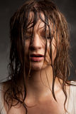 一个女孩的画象有湿头发的, 免版税库存图片