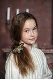 一个女孩的画象有蝴蝶的 免版税库存图片