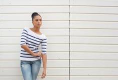 一个女性时装模特儿的画象反对白色背景的 库存图片