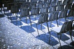 一个室外戏院的椅子 库存图片