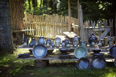 一个室外瓦器农夫市场 库存照片