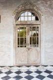 一个家的木前门有玻璃盘区的 免版税库存照片