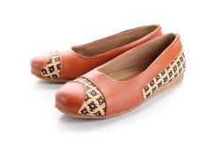 一个对偶然女孩鞋子,隔绝在白色 免版税库存图片
