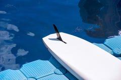 一个对唯一连续站立桨02 库存照片