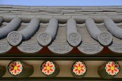 一个寺庙的老屋顶在韩国 库存照片