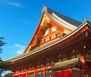一个小亭子的木屋顶装饰品在Senso籍寺庙 库存照片