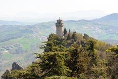 一个小塔蒙塔莱的全景从堡垒Guaita的 免版税库存图片
