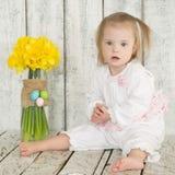 一个小女孩的画象有唐氏综合症的 免版税库存图片