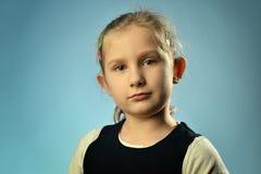 一个小女孩的画象。 免版税库存图片