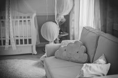 一个小孩子的儿童居室 免版税库存照片