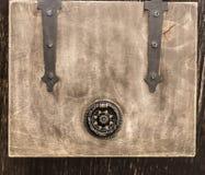 一个小木箱 免版税库存图片