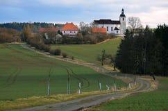 一个小村庄教会 免版税库存图片