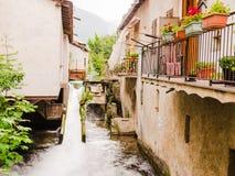 一个小村庄的看法意大利阿尔卑斯的 库存照片