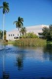 一个小池塘在ringling的马戏博物馆在萨拉索塔,佛罗里达 免版税库存照片