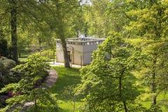 一个小的寺庙在公园 库存照片