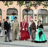 一个小组卢森堡的老年人19世纪的古色古香的衣裳的 免版税库存照片