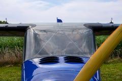 一个小航空器的驾驶舱 免版税库存图片