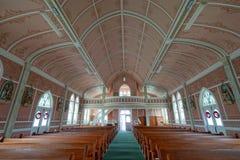 一个小被绘的教会的内部的建筑细节在Schulenburg得克萨斯 免版税库存图片