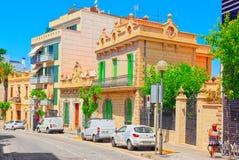 一个小镇的城市视图在巴塞罗那-锡切斯的郊区 免版税库存图片