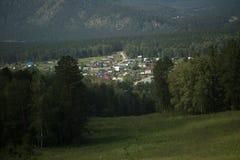 一个小镇的看法从高度的 免版税库存图片