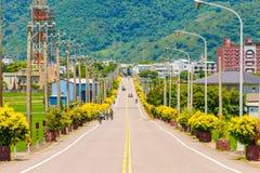 一个小镇的街道视图 库存照片