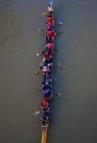 一个小组划独木舟的人,老挝人 免版税库存图片