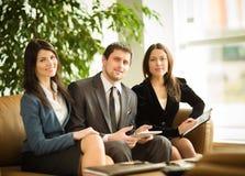 一个小组成功的商人 免版税库存照片