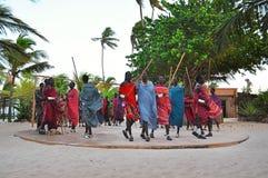 一个小组年轻Maasai人在桑给巴尔 免版税库存照片
