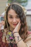 一个少妇的画象中世纪服装的 免版税库存照片
