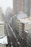 从一个屋顶的斯诺伊早晨在NYC 免版税库存照片