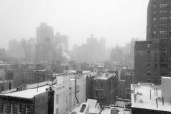 从一个屋顶的斯诺伊早晨在NYC 图库摄影