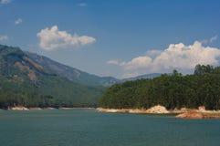 一个山湖的看法在Munnar,喀拉拉,印度附近的 库存图片