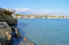 一个岩石小海湾有看法 库存照片
