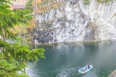 一个峡谷的美丽的景色在Ruskeala 免版税库存图片