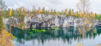 一个峡谷的美丽的景色在Ruskeala 免版税库存照片